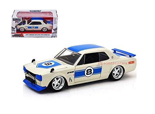NEW DIECAST TOYS CAR JADA 1:24 WINDOW BOX METALS JDM TUNERS 1971 NISSAN SKYLINE GT-R KPGC10 OFF-WHITE WITH BLUE STRIPES (24 Metal Model Kit)