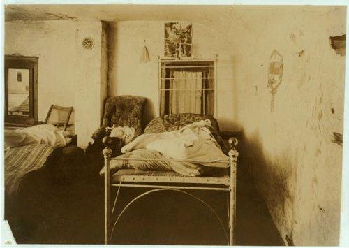 HistoricalFindings Photo: Housing Conditions,Elm Street,Pawtucket,Rhode Island,Labor Housing,1912,2
