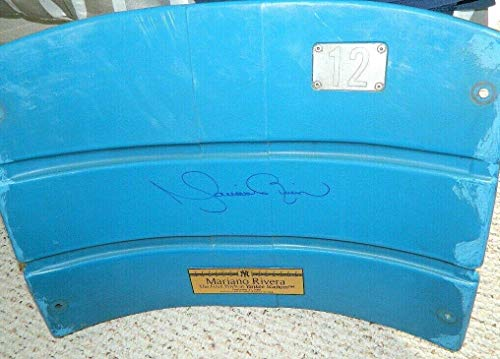Mariano Rivera Game Used Signed Original Yankee Stadium Seat Back Hof 18 - Steiner Sports Certified - Game Used MLB Stadium Equipment ()