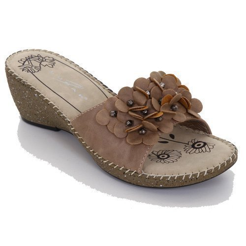 SAPPHIRE Women's Textured Flower Beaded Corsage Medium Wedge Ladies Wedges Shoes Beige 2M4LDG7le