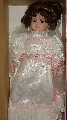 (Bette Ball Carol Anne LE Musical Porcelain Doll Bride)