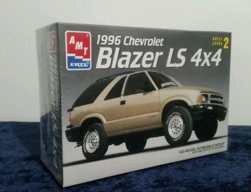 AMT ERTL 1996 Chevrolet Blazer LS 4x4 Model Car Kit -- 1:25 -- NIB -- as shown (Chevrolet Blazer Model compare prices)