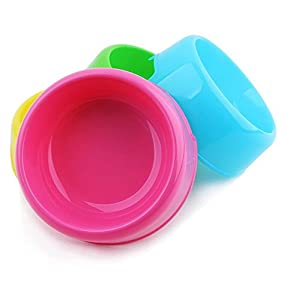 LoveOurHome Cool Pet Candy Single Dog Bowls, Dog Cats Rabbits Food Bowl, Cheap Portable Travel Plastic Dog Bowls (Random Color)