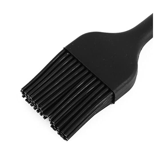 """uxcell Silicone Home Kitchenware Cooking Tool Baster Turkey Barbecue Pastry Brush 2 Quntity and Size: Package Content: 1 x Barbecue Brush; Total Size: 21 x 3.5 x 1.2cm/8.3"""" x 1.4"""" x 0.5""""(L*W*T). Great for everything from applying juices to meats to butting the tops of breads Material: Our basting brush is made of silicone. Quick and effortless coating action. No more hassle with nylon bristles in your food! Easy to Use: This brush won't let you down by melting or shedding bristles into your food. The smooth edges won't scratch non-stick pans, and it is perfect for spreading oils on meat on a hot grill"""