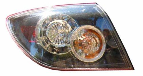MAZDA 3 TAIL LIGHT LEFT (DRIVER SIDE) (SD/STD) 2004-2006 (Light Std)