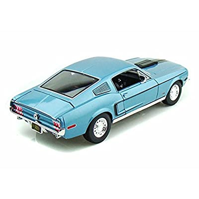 Maisto 1:18 Scale Metallic Blue 1968 Ford Mustang GT Cobra Jet: Toys & Games