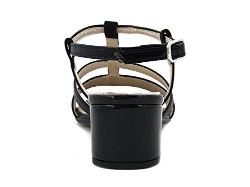 Martina Sandalo in eco-camoscio e pelle lucida colore nero, tacco 5cm., 68555