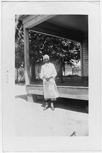 1937 Photo Susan Merritt, ex-slave, Marshall Location: Bexar, Harrison, Marshall, San Antonio, ()