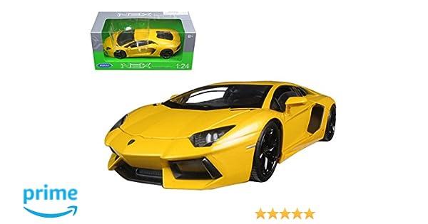 Amazon Com Welly 24033 Lamborghini Aventador Lp700 4 Yellow 1 24
