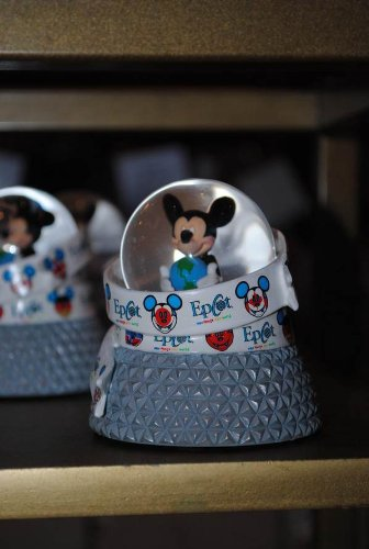 (disney parks epcot mickey mouse spaceship earth base snow globe new)