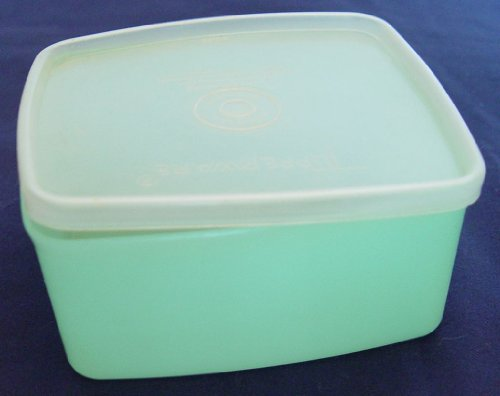 Tupperware 16 Ounce Square Round #311 Pastel Green with Sheer Seal # 310 (Tupperware Square Round Lids)