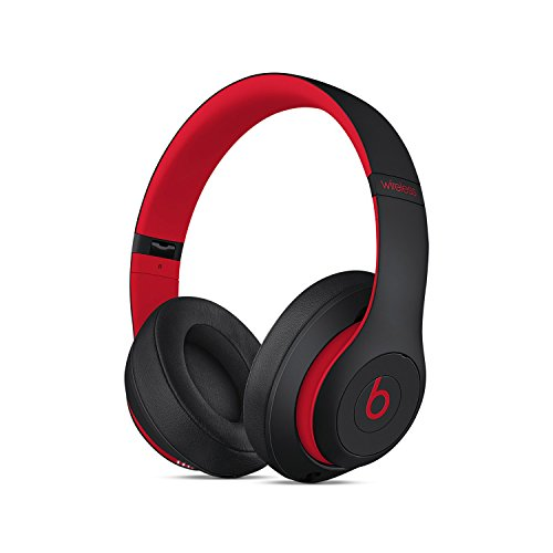 (Beats S t u d i o 3 Wireless Over Ear Headphone Decade Collection Defiant Black Red with Carrying case)