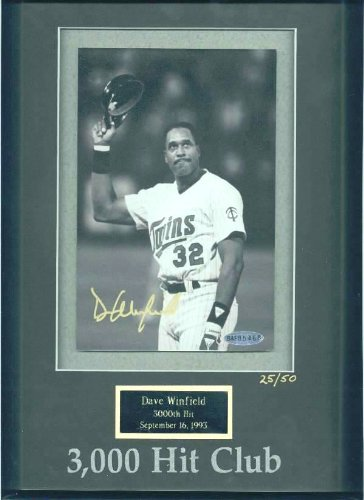 Dave Winfield - UDA LIMITED EDITION Autographed 3,000 Hit Club photo