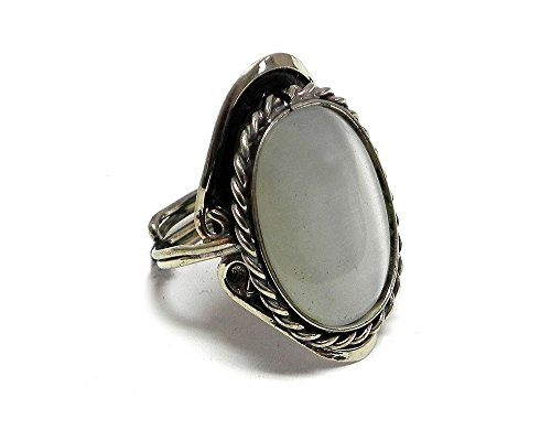 White Cat Eye Stone - Oval Cat's Eye Gemstone Ring (White)