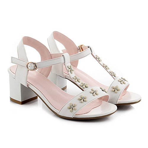 AmoonyFashion Womens Soft Material Round Toe Kitten Heels Buckle Solid Sandals White h1Ni2Mq