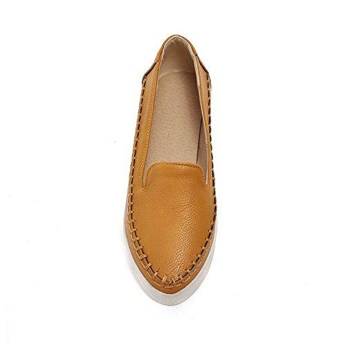 Allhqfashion Femme Pu Solide Pull-on Fermé Fermé-orteil Bas-talons Pompes-chaussures Jaune