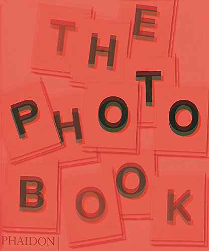 A revised and updated edition of Phaidon's bestselling book, which brings this landmark work fully up‐to‐date with new additions covering the latest developments in photography. The Photography Book is an unsurpassed collecti...