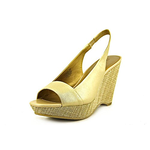 Anne Klein Espadrilles (AK Anne Klein Women's Fortuna Wedge Sandal,Light Gold,9 M)