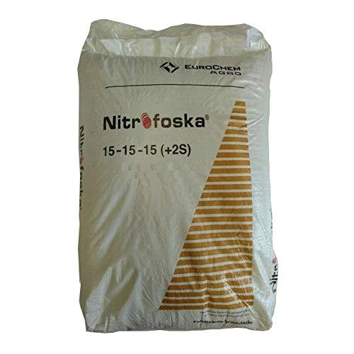 Suinga ABONO Fertilizante Nitrofoska Triple 15, Saco 40 Kg. Adaptado para Cubrir la mayoría de Necesidades en Todos los Cultivos. 15% Nitrógeno, 15% Fósforo, 15% Potasio, 5% Azufre