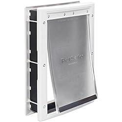 PetSafe - Puerta de plástico para mascotas, mediana, con solapa tintada suave, marco blanco pintable, para perros de hasta 40 lb