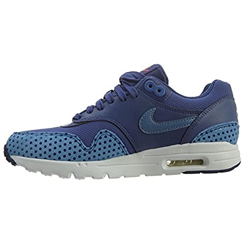 durable modeling Nike Women's Air Max 1 Ultra Essentials