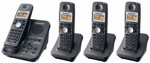 Panasonic KX-TG3034B 2.4 GHz Cordless Telephone w/Digital Answering machine and 4 (Digital Spread Spectrum Cordless Telephone)