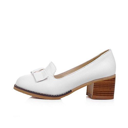 AllhqFashion Damen Rein PU Leder Mittler Absatz Rund Zehe Ziehen auf Pumps Schuhe Weiß
