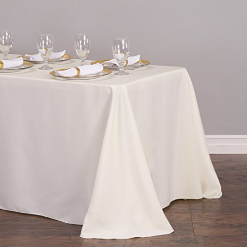 The 8 best tablecloths under 10