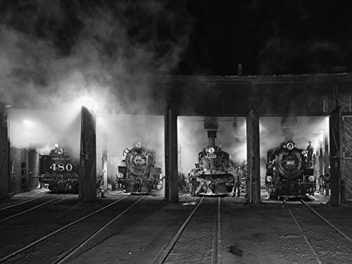 - - Black-and-white image of steam locomotives in the roundhouse of the Durango & Silverton Narrow Gauge Scenic Railroad in Durango, Colordo. - Carol Highsmith ()