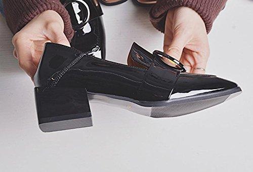 El nuevo lado con un pequeño zapatos cuadrados con un pequeño zapatos redondos con los zapatos ocasionales de los zapatos salvajes Black