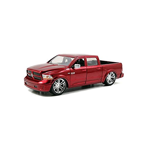 Jada Just Truck Series: 2014 Dodge Ram 1500 Custom Edition 1:24 Scale (Red) JA54040