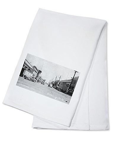 OKSLO Pittsburg, California - View of Railroad Avenue (100% Cotton Kitchen Towel)
