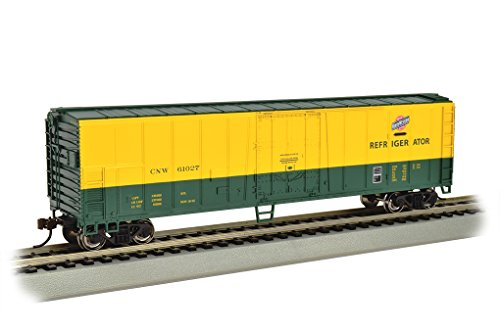 Bachmann Industries Steel Reefer Chicago & Northwestern Freight Car, 50'