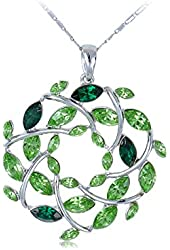 Green and Round Leaf Wreath Silver Tone Chain Pendant Necklace