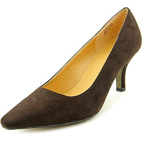 Brown Pumps Suede (Karen Scott Women's Clancy Suede Pointed Toe Pumps, Medium Brown, Size 7.5)