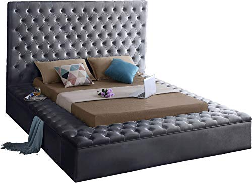 Meridian Furniture Bliss Collection Modern | Contemporary Grey Velvet Upholstered Bed with Deep Tufting, with Storage Rails and Footboard, King,