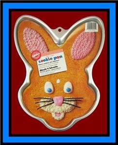 Wilton Giant Bunny Face Cookie Treat Brownie Pan (2105-6205, 1998) ~ Retired Collectible (Big Rice Krispy Treat compare prices)