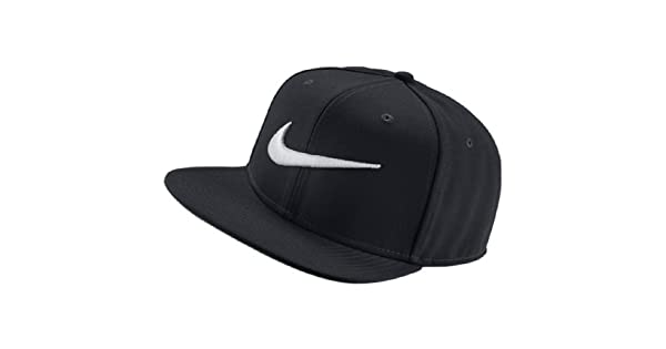 d5e90356ad Boné Swoosh Pro Aba Reta Nike - Preto - 639534-011  Amazon.com.br  Amazon  Moda