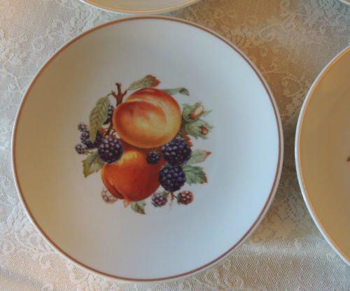 Vintage PMR Bavaria Jaeger & Co Germany Golden Crown Orchard Peach & Blackberry 7 3/4