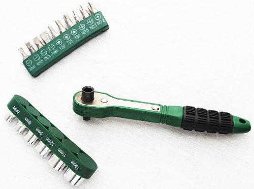 Deluxe Socket Wrench Set (Big Green 17-Piece Deluxe Mini-Ratchet Screwdriver Socket Set)
