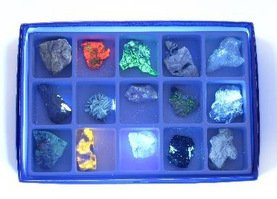 American Educational Products 2380 Fluorescent Minerals Short Wave (Fluorescent Rocks)