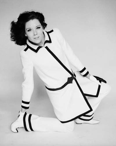 Diana Rigg in black and white coat vintage fashion pose 8x10 Promotional Photograph -