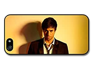 Enrique Iglesias Staring at Camera with Smart Outfit Case For Sony Xperia Z2 D6502 D6503 D6543 L50t L50u Cover