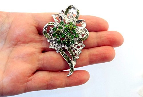 - AUGUST BIRTHSTONE PERIDOT GREEN CRYSTAL FLOWER CORSAGE PIN BROOCH SCARF CLIPSCORSAGE JEWELRY FOR WOMAN PIN GIFT FOR WOMEN