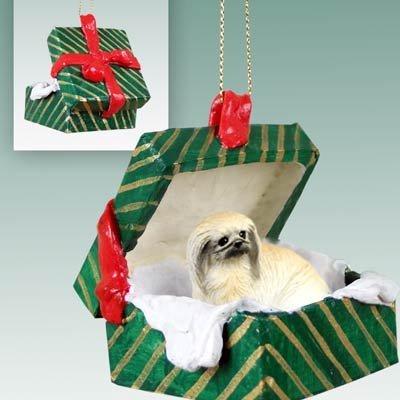 Conversation-Concepts-Pekingese-Christmas-Ornament-Hanging-Gift-Box