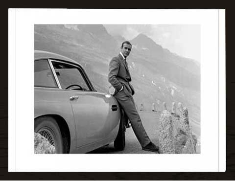 James Bond - Aston Martin - Kunstdruck Artprint Filmposter Kino Movie James Bond - Grösse 80x60 cm + Wechselrahmen, Shinsuke® MDF schwarz, Acryl-Scheibe