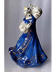 Porcelain Figurine Russian girl Vintage USSR Soviet Russian 1970s.