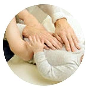 alfombrilla de ratón Los naturópatas tratan bebé con la osteopatía - ronda - 20cm