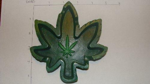 Green-Marijuana-Leaf-Ashtray