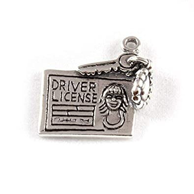 STERLING SILVER DANGLE EUROPEAN STYLE DRIVER/'S LICENSE WITH KEYS BEAD CHARM
